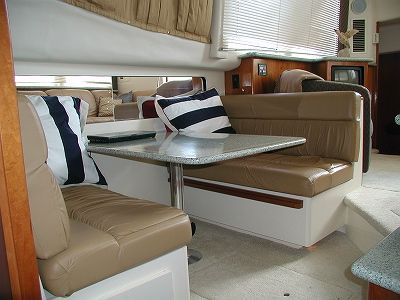 Carver 404 Cockpit Motor Yacht 2001 Carver Boats for Sale