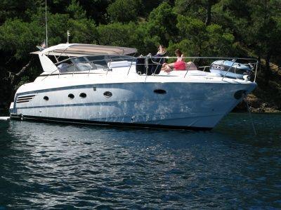 Carver 440 Trojan Express 2001 Carver Boats for Sale