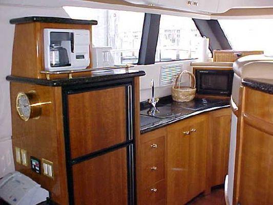 Carver 450 VOYAGER W/480 VOLVO'S 2001 Carver Boats for Sale