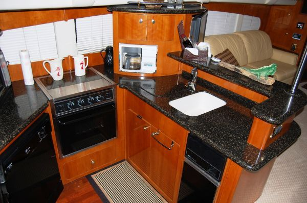 Boats for Sale & Yachts Carver 564 CPMY Freshwater 2001 Carver Boats for Sale