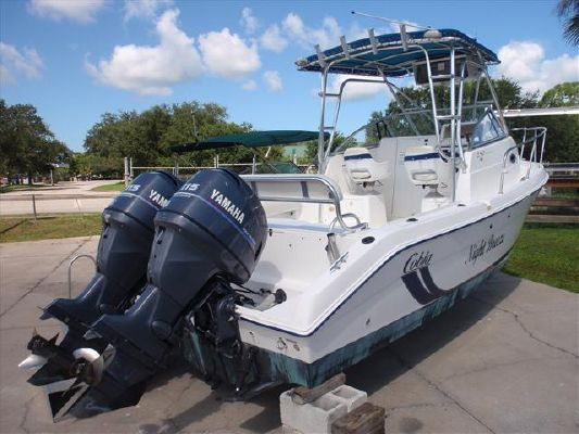 Cobia Walk Around 250 W/A 2001 All Boats