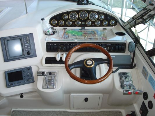 Cruisers 4270 Express Stock # 0022 2001 Cruisers yachts for Sale