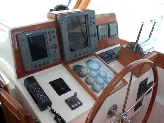 Grand Banks Hardtop Express 2001 Grand Banks Yachts