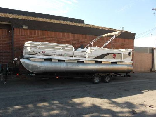 Sun Tracker 25 IO regency 2001 Sun Tracker Boats for Sale
