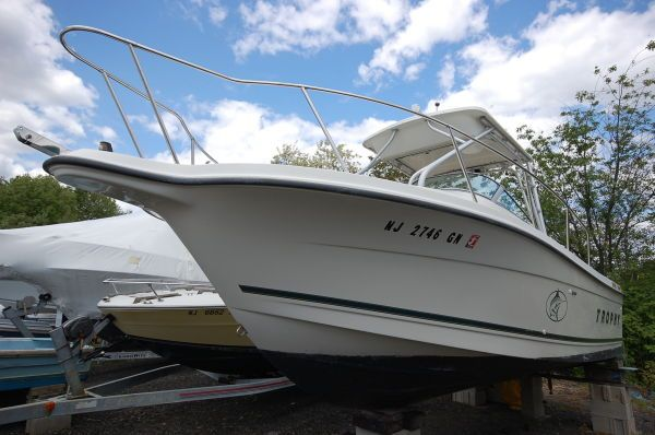 Trophy 2352 Walkaround 2001 All Boats Walkarounds Boats for Sale