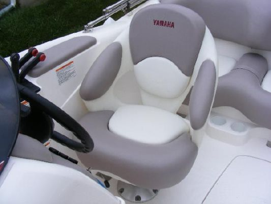 2001 yamaha jet boat ls2000  13 2001 Yamaha Jet Boat LS2000