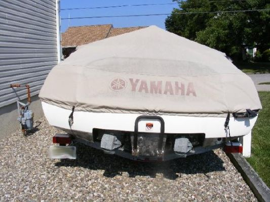2001 yamaha jet boat ls2000  25 2001 Yamaha Jet Boat LS2000