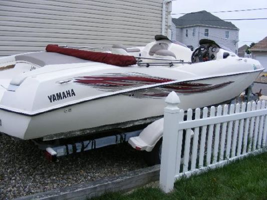 2001 yamaha jet boat ls2000  5 2001 Yamaha Jet Boat LS2000