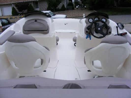 2001 yamaha jet boat ls2000  8 2001 Yamaha Jet Boat LS2000