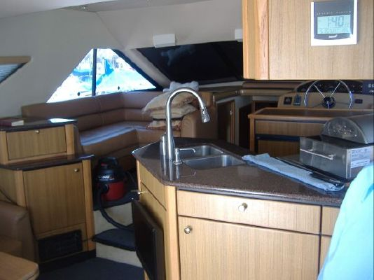 Bayliner 3988 THRUSTERS! 2002 Bayliner Boats for Sale