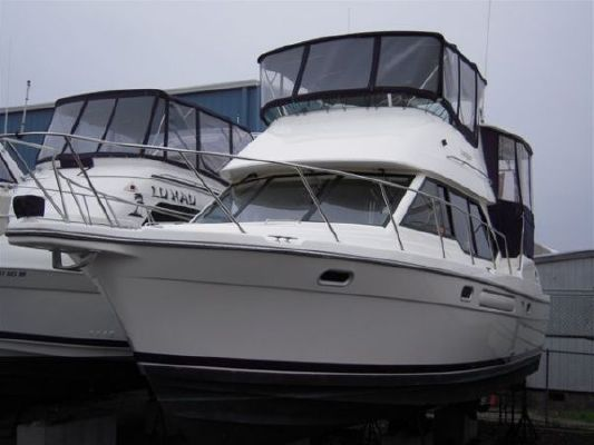 Bayliner 4087 Cockpit Motor Yacht 2002 Bayliner Boats for Sale