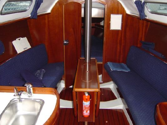 2002 beneteau oceanis 311 clipper  11 2002 Beneteau Oceanis 311 Clipper