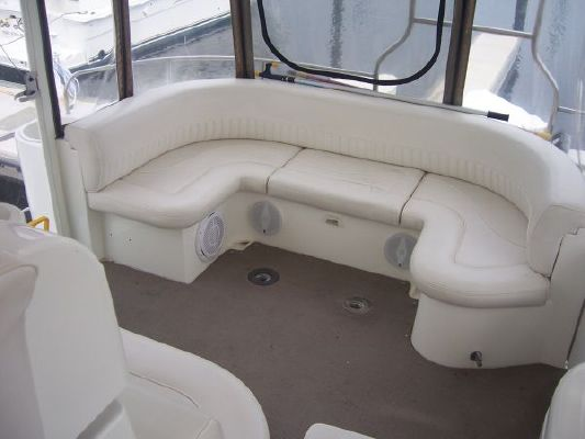Cruisers 4450 2002 Cruisers yachts for Sale