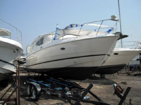 Cruisers 4450 Express 2002 Cruisers yachts for Sale