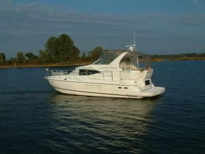 Cruisers 4450 Express Motoryacht 2002 Cruisers yachts for Sale