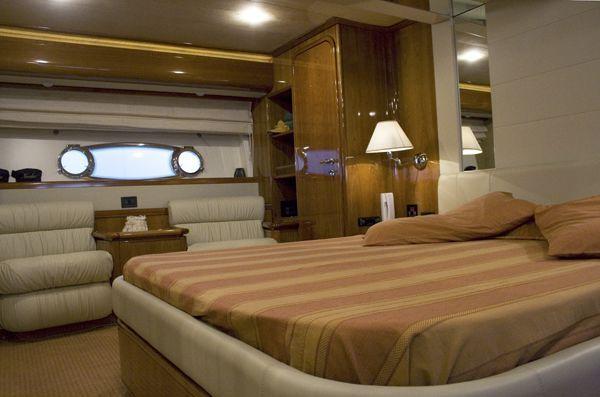 Ferretti 760 2002 All Boats