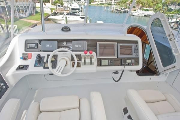 2002 hatteras 63 raised pilothouse motor yacht  13 2002 Hatteras 63 Raised Pilothouse Motor Yacht