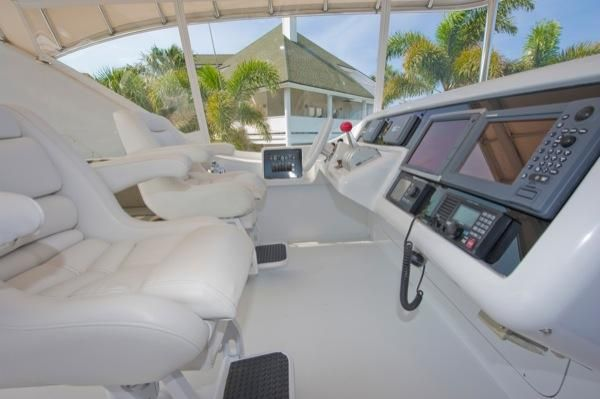 2002 hatteras 63 raised pilothouse motor yacht  14 2002 Hatteras 63 Raised Pilothouse Motor Yacht