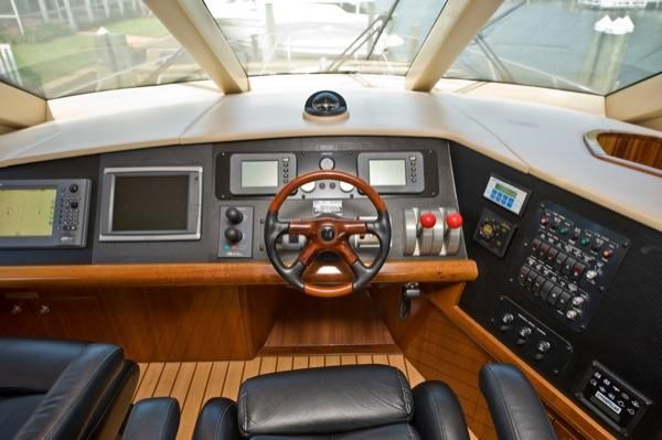 2002 hatteras 63 raised pilothouse motor yacht  15 2002 Hatteras 63 Raised Pilothouse Motor Yacht