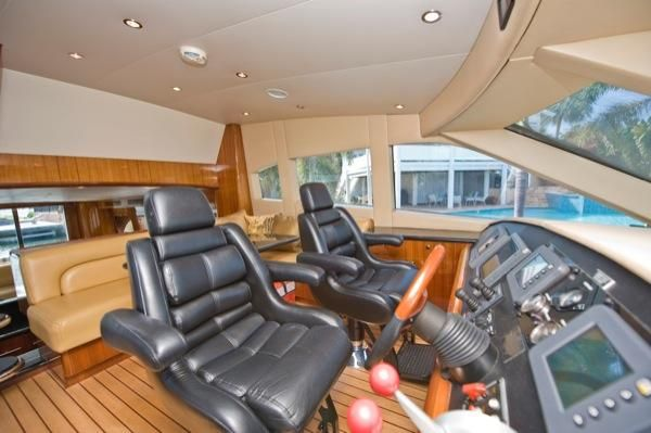 2002 hatteras 63 raised pilothouse motor yacht  16 2002 Hatteras 63 Raised Pilothouse Motor Yacht
