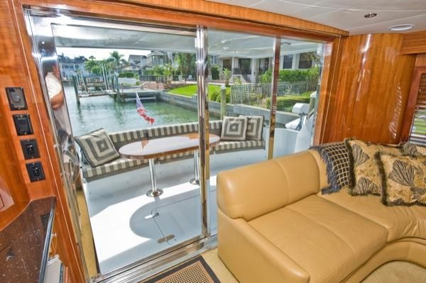 2002 hatteras 63 raised pilothouse motor yacht  20 2002 Hatteras 63 Raised Pilothouse Motor Yacht