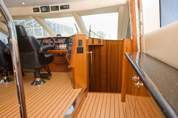 2002 hatteras 63 raised pilothouse motor yacht  30 2002 Hatteras 63 Raised Pilothouse Motor Yacht