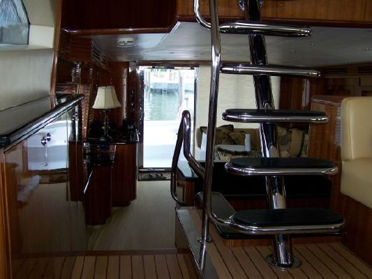 2002 hatteras 63 raised pilothouse motor yacht  41 2002 Hatteras 63 Raised Pilothouse Motor Yacht