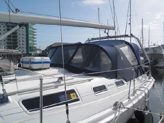 Hunter Legend 356 2002 All Boats