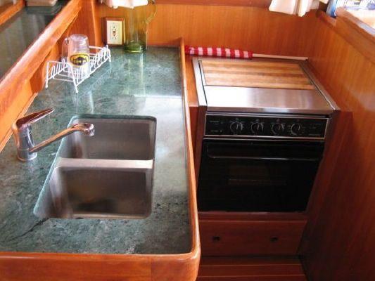 Mariner Sedan Orient Series 2002 All Boats