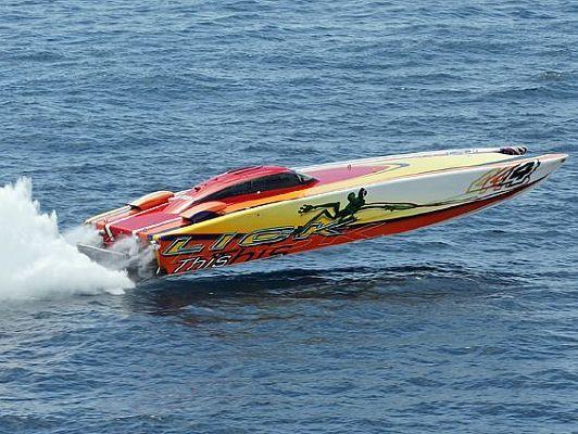 Skater / Douglas Marine 46 Race 2002 All Boats