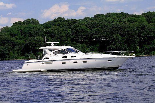 Tiara 5200 Express 2002 All Boats