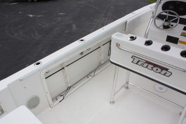 Triton 2486 2002 Triton Boats for Sale