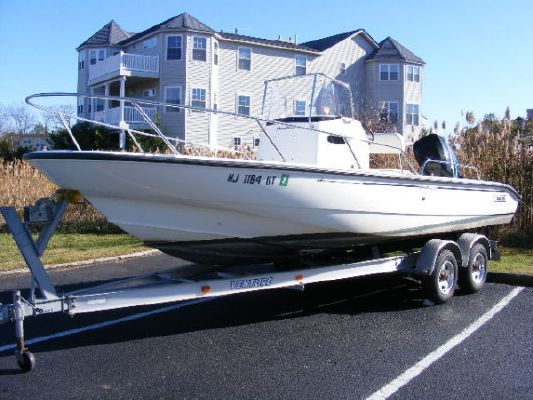 Boston Whaler Dauntless 220 2003 Boston Whaler Boats