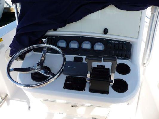 Boston Whaler Outrage 270 2003 Boston Whaler Boats