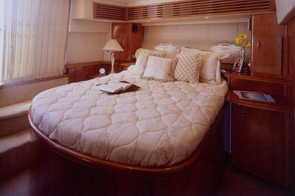 2003 carver 444 cockpit motor yacht  3 2003 Carver 444 Cockpit Motor Yacht