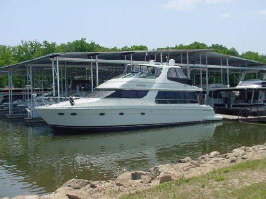 Carver 570 Voyager / Carver Voyager 570 Sky Lounge 2003 Carver Boats for Sale