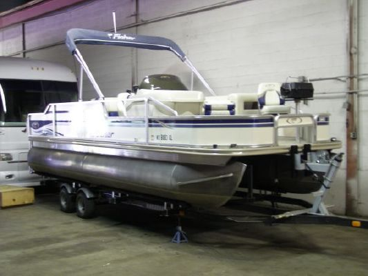 2003 fisher 220 freedom fish  1 2003 Fisher 220 FREEDOM FISH