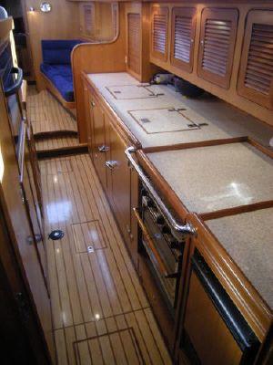 Hylas Raised Salon 2003 All Boats
