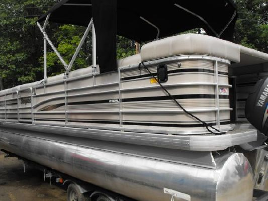 Sanpan 2500 LE with Trailer 2003 All Boats