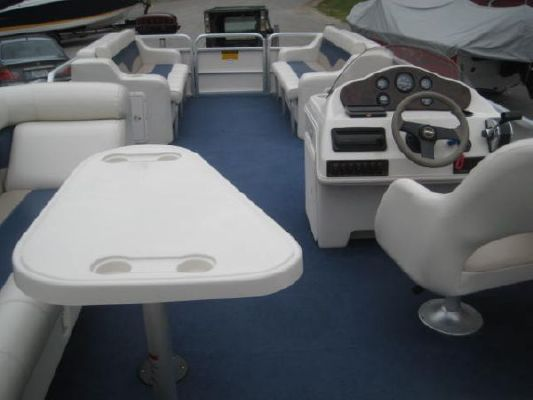 Sweetwater 2423 UL 2003 Sweetwater Pontoon Boat