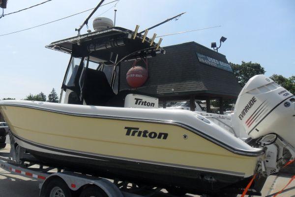 Triton 2486 CC 2003 Triton Boats for Sale