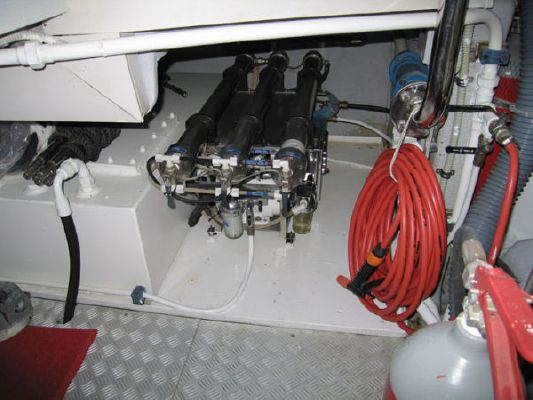 Azimut 98 Leonardo 2004 Azimut Yachts for Sale