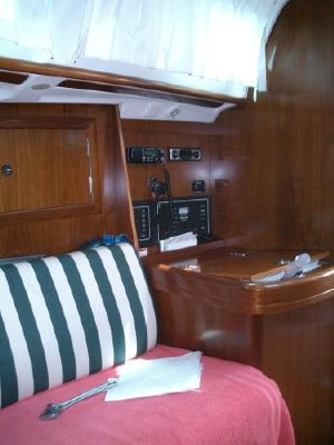 2004 beneteau swing keel 311  3 2004 Beneteau Swing Keel 311