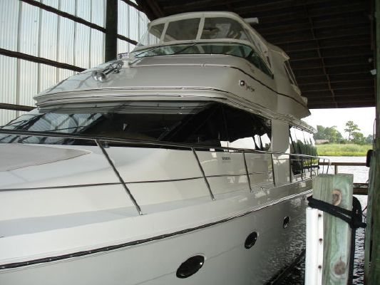 Carver 570 Voyager Anniversary Model with Three Staterooms, D 2004 Carver Boats for Sale