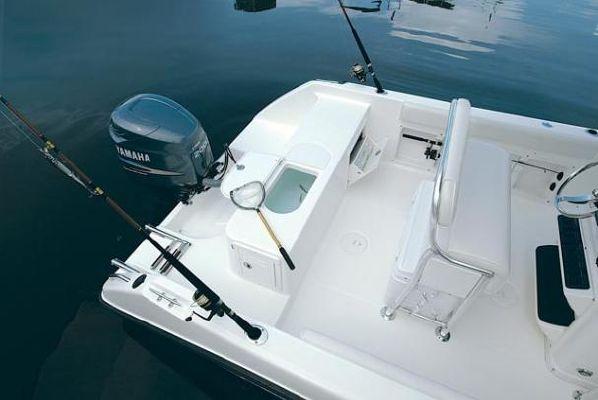 Century 2200 CC 2004 All Boats