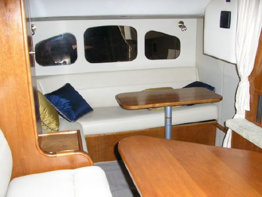 Cruisers 400 Express Diesels 2004 Cruisers yachts for Sale