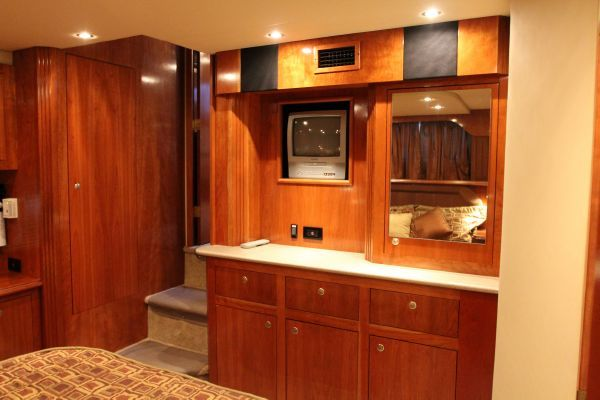 Cruisers 405 Express Motoryacht 2004 Cruisers yachts for Sale