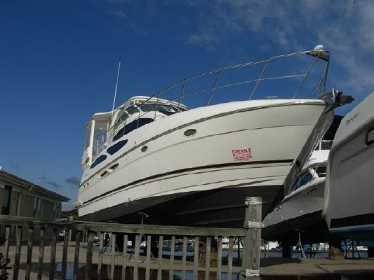 Cruisers Yachts 405 Express Motoryacht *BANK REPO 2004 Cruisers yachts for Sale