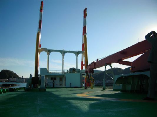 Deck Barge with two spuds Crane capacity:20ton 2004 All Boats