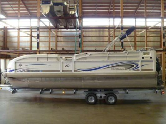 JC Manufacturing 246 TriToon Classic 246 2004 All Boats